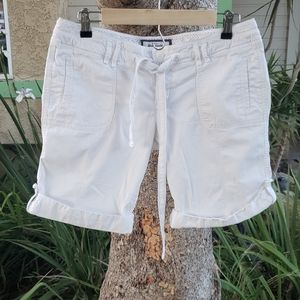 Abercrombie and Fitch white shorts sz 6